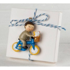 Imán niño Comunión en bici con 3 peladillas