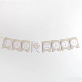 Banderola letra V marrón/ topos13x19cm