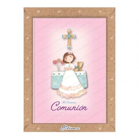 Misal Niña delante altar